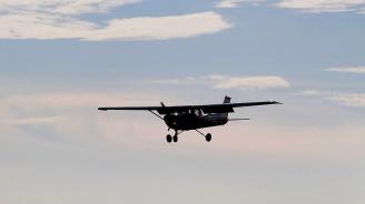 Американец разби самолет в дома си след скандал със съпругата