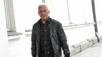 Сидеров поиска оставката на шефа на РЗИ-Бургас, бил роднина на Валери Симеонов
