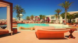 Чуждите туристи дават отлични оценки за семейните ни хотели
