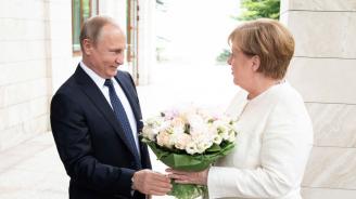 Меркел очаква сложни разговори с Путин