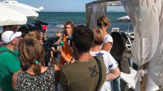 Министър Ангелкова: Ще предвидим чрез ЗУЧК да се регламентира достъпът на хора с увреждания до плажовете и морето