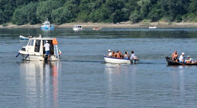 Ниското ниво на река Дунав затруднява корабоплаването. Осем прага са
