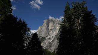 Пожарът до Йосемити парк е овладян