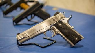 Израел облекчава изискванията за притежаване на оръжие