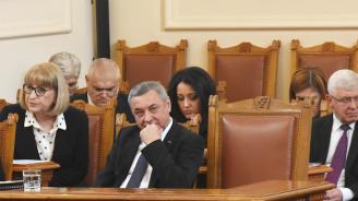 НФСБ ще гласува против оставките на Нанков, Радев и Московски