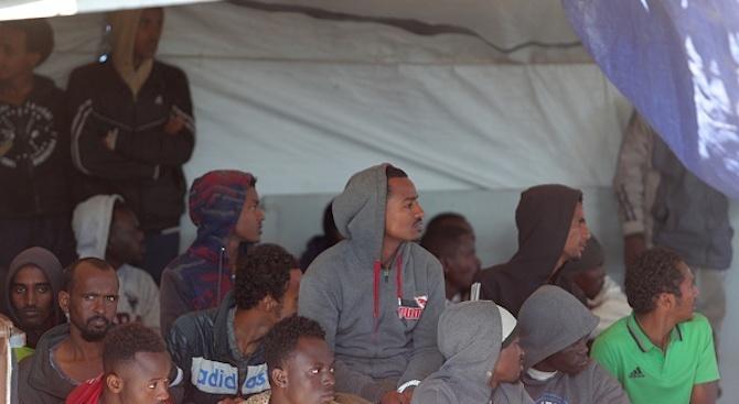 Върховният комисар на ООН за бежанците призова ЕС да намери дългосрочно решение на проблема с миграцията