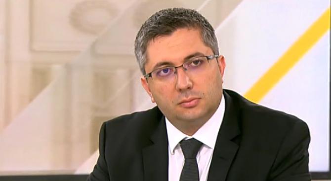 Министър Нанков загубил приятелка в катастрофа преди 3 години. Обеща на всички справедливост за трагедията край Своге (видео)
