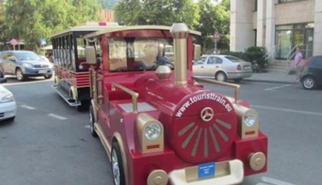 Туристическото влакче на Ловеч се оказа закупено от бившия кмет