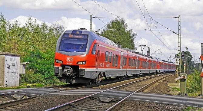 18-годишна загина, премазана от влак, по време на шофьорския си изпит (видео 18+)