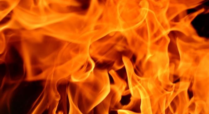 Техническа неизправност е причинила запалване в товарен автомобил на главния