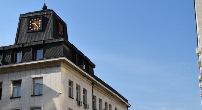 """Служители на """"Комунални дейности"""" към община Ловеч през август са"""