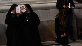 Католически монахини убивали сирачета в САЩ?
