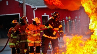 Пожар избухна в химически завод в Мелбърн (видео)