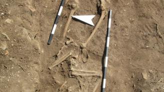 Откриха скелет без глава по време на проучвания в средновековен храм (снимки)