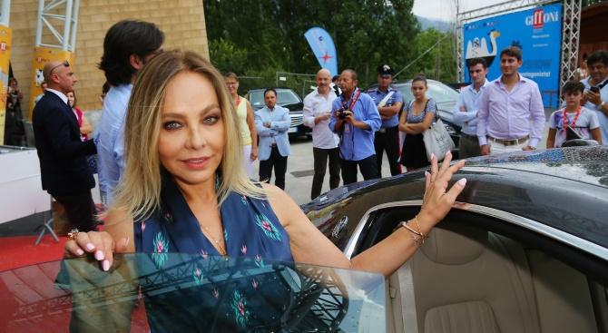 Италианската актриса Орнела Мути вероятно ще кандидатства за руско гражданство,