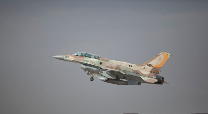 Израелски самолети стреляха по ирански военни позиции в Сирия