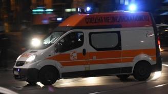 Пиян шофьор се заби с БМВ в стълб, рани тежко спътника си