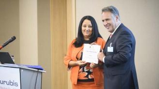 Лиляна Павлова връчи грамота за партньорство на Юрген Шахлер като благодарност за подкрепата за българското европредседателство (снимки)