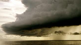 Тропическата буря Гордън в Мексиканския залив се насочва към бреговете на САЩ