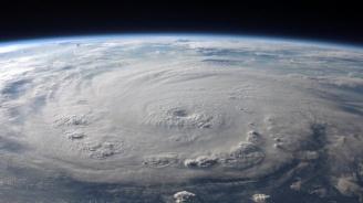 Бебе загина при преминаването на бурята Гордън в САЩ