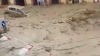 Мащабни наводнения в Испания (видео)