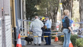 Полицията в Пърт откри 5 трупа в предградие на града