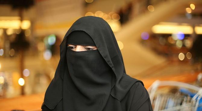 Саудитска авиокомпания за пръв път започва да набира жени за втори пилоти