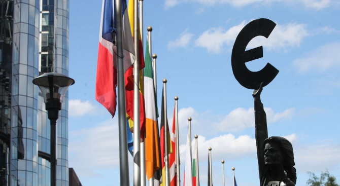 Европейският парламент ще гласува позицията си по директивата за авторското
