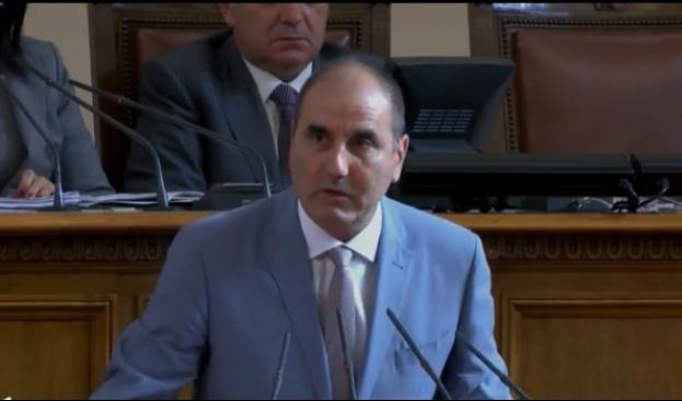 Цветанов: Братът на депутат от БСП напуснал страната с огромна сума (видео)