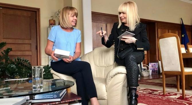 Примата на българската естрада Лили Иванова се срещна с кмета
