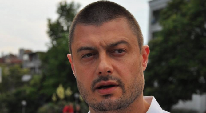 Бареков пусна бомба: Антон Хекимян задяваше операторите!