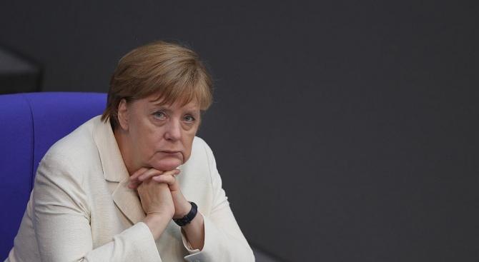 Меркел: Санкциите срещу Русия не трябва да се отменят
