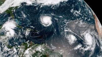 Ураганът Флорънс набира сила и може да връхлети американското югоизточно крайбрежие
