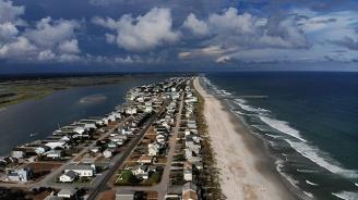 """Президентът на САЩ предупреди, че ураганът """"Флорънс"""" ще бъде един от най-силните, които са виждали"""
