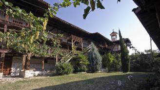 Двама от обвинените за обира в Роженския манастир остават в ареста