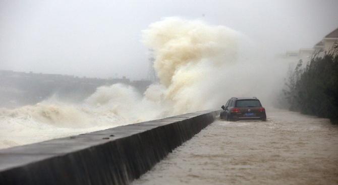Най-малко 65 са вече жертвите на тайфуна Мангхут във Филипините,