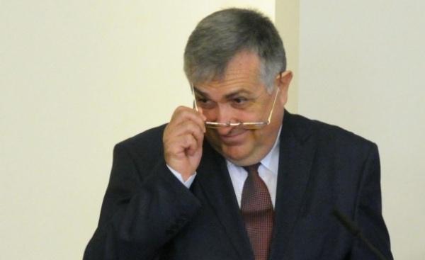 Народното събрание може да избере Младен Маринов за министър на