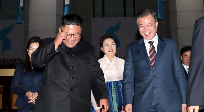 Лидерите на Северна и Южна Корея подписаха обща декларация