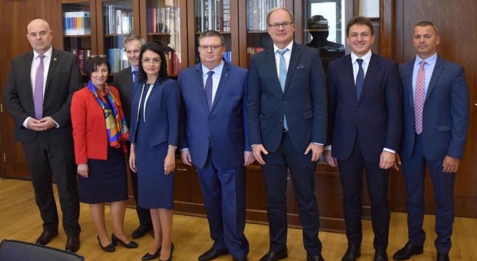 Главният прокурор Сотир Цацаров се срещна с главния прокурор на