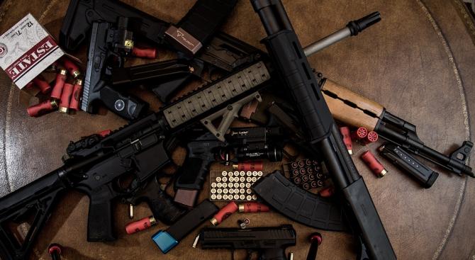 Криминалисти на ОДМВР-Враца иззеха голямо количество незаконно оръжие и боеприпаси,