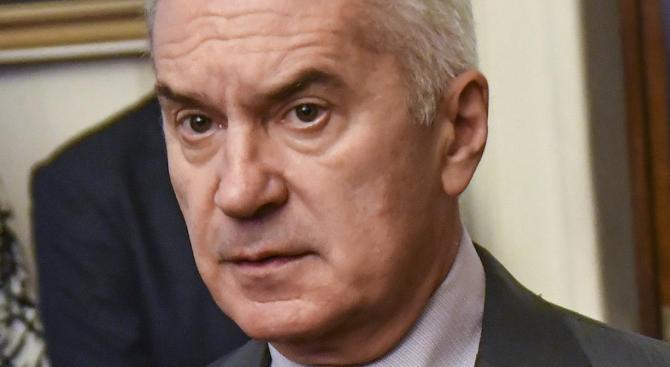 Волен Сидеров коментира в кулоарите на парламента казуса с Унгария,