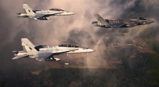 Британски и френски самолети са излетели по тревога, за да следят руски изтребители