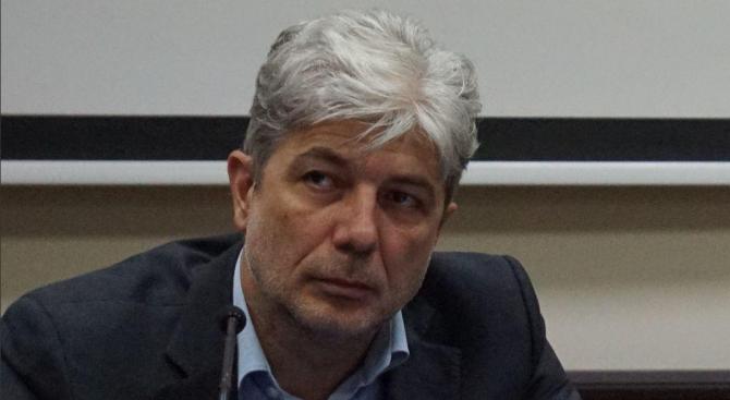 Министърът на околната среда и водите Нено Димов ще отговори