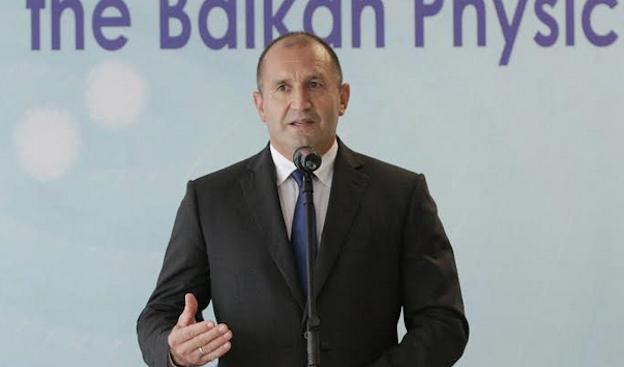 Българският държавен глава Румен Радев изразява съболезнованията си към временно