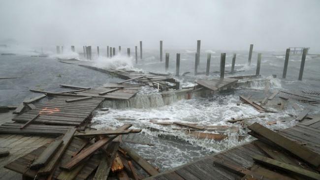 Силна буря връхлетя днес южната част на Скандинавия, а метеорологичните
