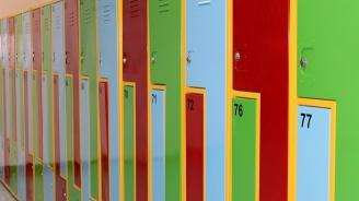За всичи ученици до 7 клас ще бъдат осигурени шкафчета в училищата