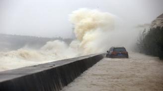Нараства броят на жертвите на тайфуна Мангхут
