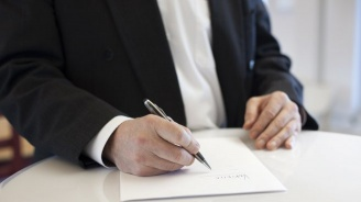 Намаляват срока за издаване на визи на сезонни работници