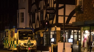 Мъжът, пострадал в ресторанта в Солсбъри, е в критично състояние