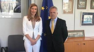 """Ангелкова се срещна с генералния директор на ГД """"Енергетика"""" в ЕК"""